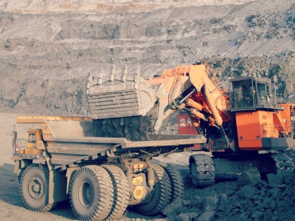 Purpose-of-Mining-Excavator-Attachments