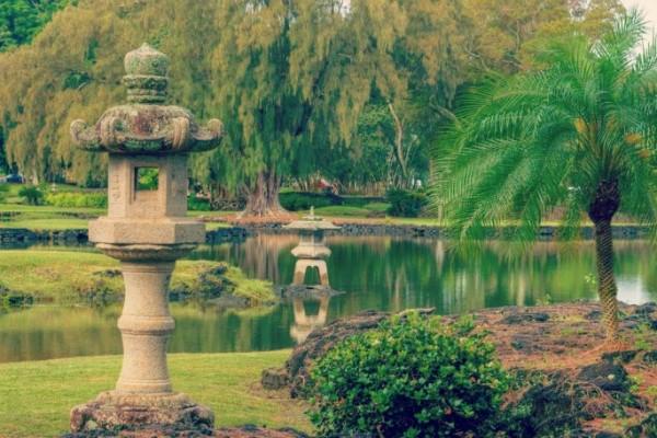 Japanese-Garden-Lanterns
