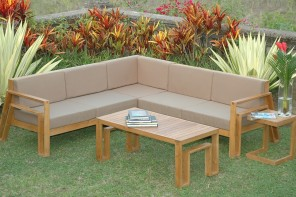 Entertaining Outdoors: Teak Furniture Makes for Purposeful Makeover