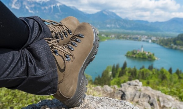 women hiking footwear 2