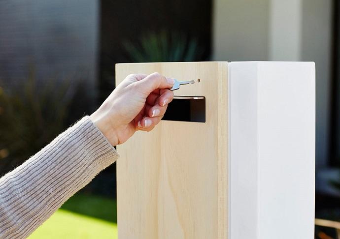 accoya-letterbox