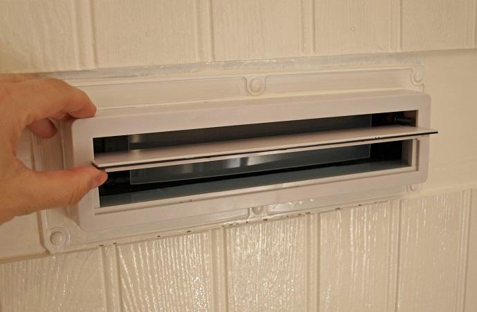 door-installed-mailbox