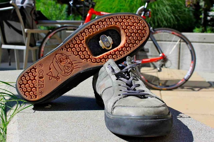 casual bicycle shoes
