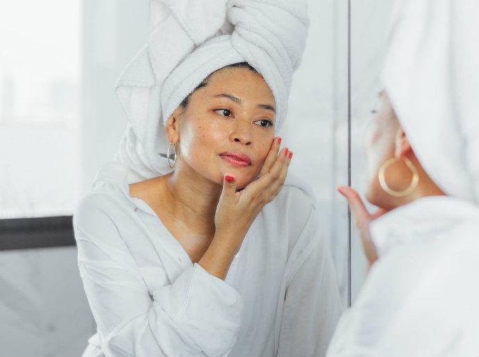 morning-skincare-routine-face toner