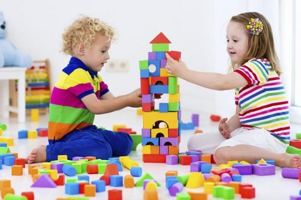 picture of two kids playing