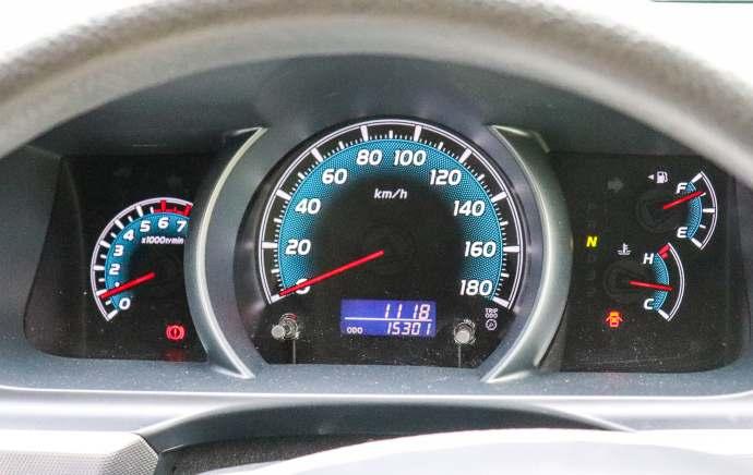 hiace auto gauge
