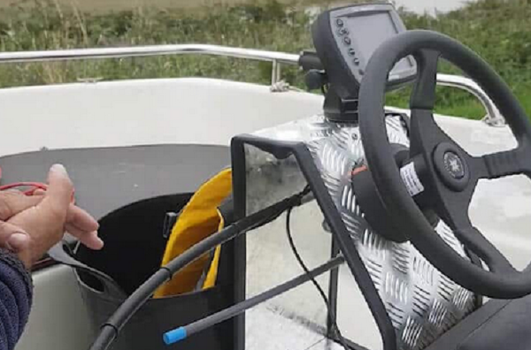 Different-Types-of-Boat-Steering Systems