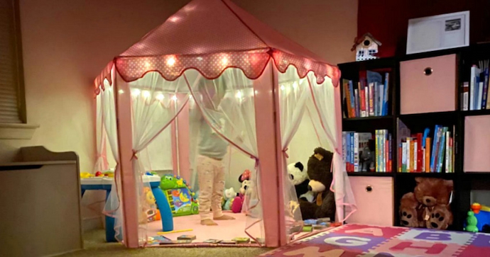 play-tent-in-room-girls-image