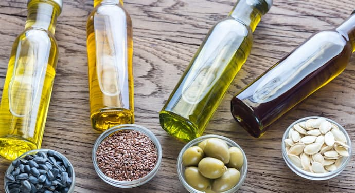 If you are used to cooking with sunflower oil, maybe it's time to try some healthier versions. Virgin olive oil, as well sesame seed, or almond oils are wonderful and healthier substitutes. Instead to use butter for cooking, use olive oil. On the other hand, you can use avocado as an addition to your toasts and dishes, instead of boosting your meals with unhealthy options like margarine, lard or butter.